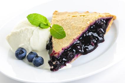 """""""Fresh"""" Maine Blueberry Pie"""