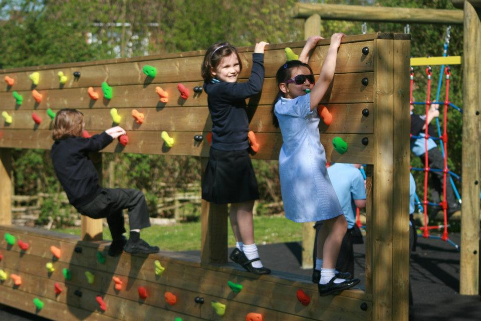 Why Outdoor Play Makes for Healthy, Happy Children